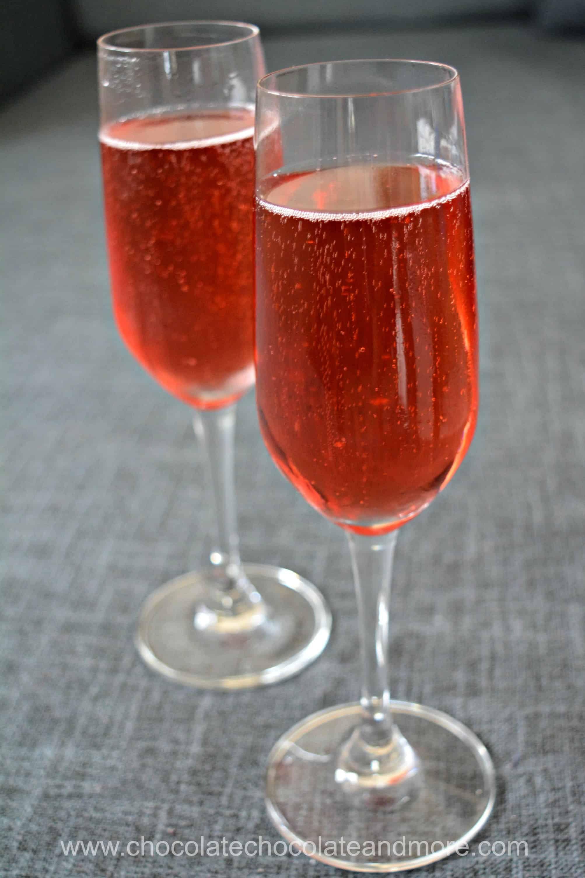 Blackberry Kir Royale Alcoholic And Mocktail Versions Recipe Kir Royale Refreshing Drinks Recipes Kir Royale Recipe
