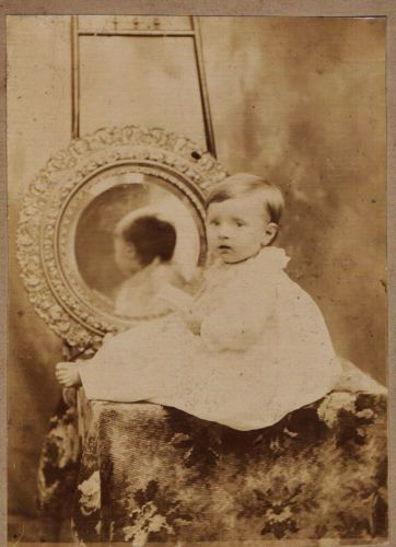 Unusual-8-x-10-Cabinet-Card-Photo-of-Victorian-Child-Reflection-Mirror-c-1890