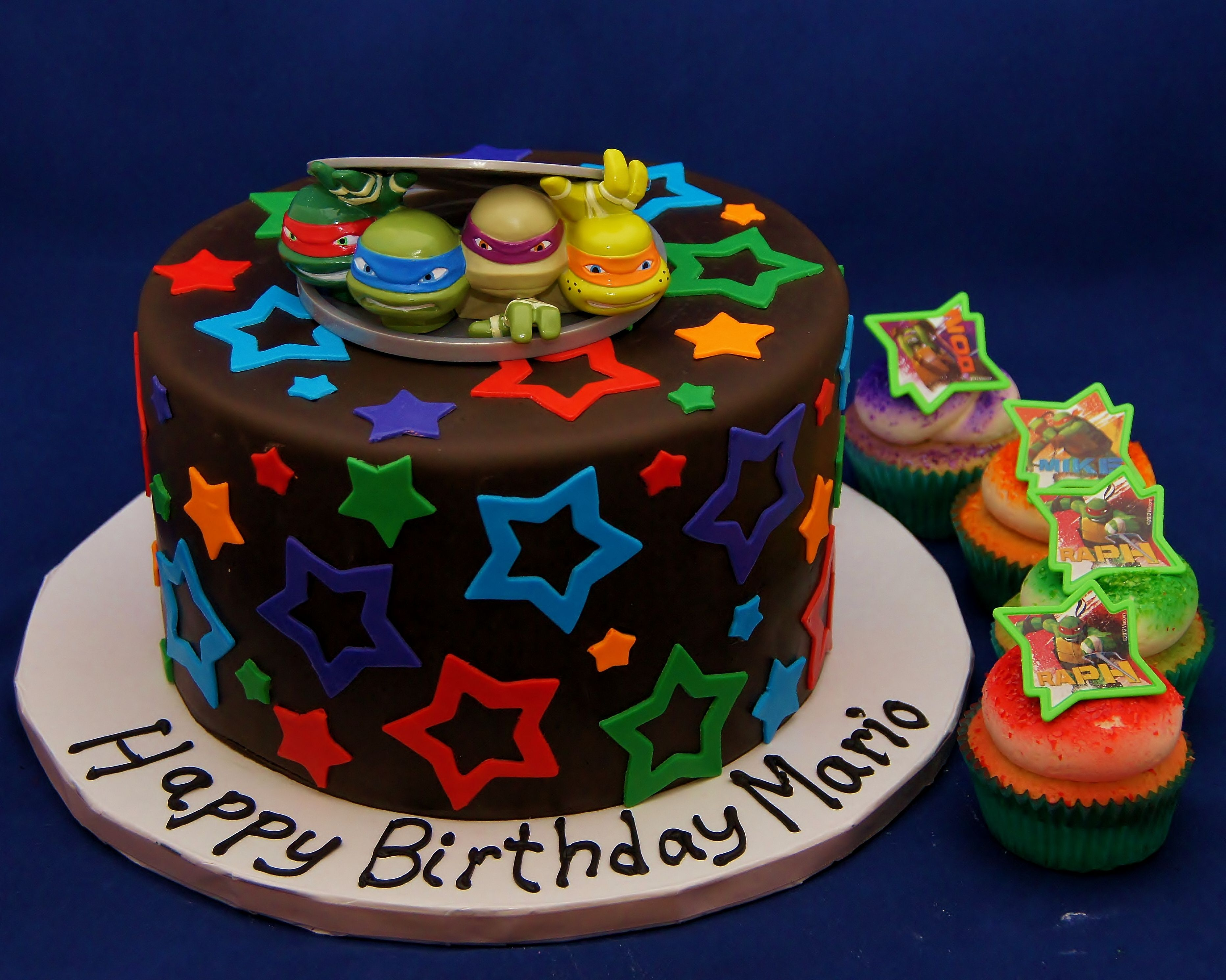 Teenage Ninja Mutant Turtles cake and cupcakes Happy birthday Mario