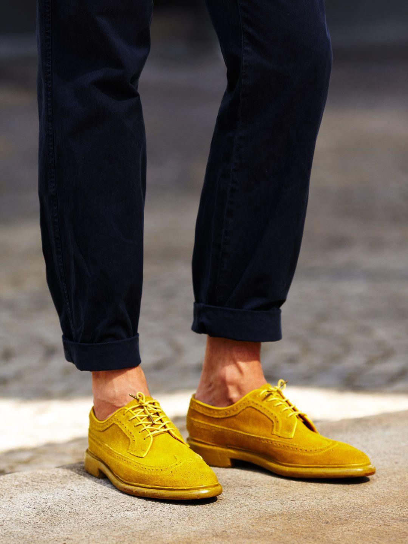 accessoires de mode : chaussures, derbies, jaune