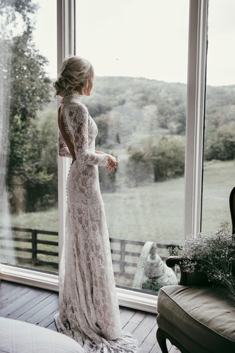 OUR WEDDING - Happily GreyHappily Grey. Winter Wedding Braut Outfit 2017-2018