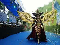 kostum karnaval awan Penelusuran Google Karnaval, Awan