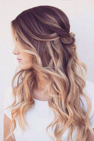 68 Ideas To Wedding Hairstyles Half Up Half Down Curly Long Loose Curls 53 Sitihome Bridesmaid Hair Down Hair Styles Long Loose Curls