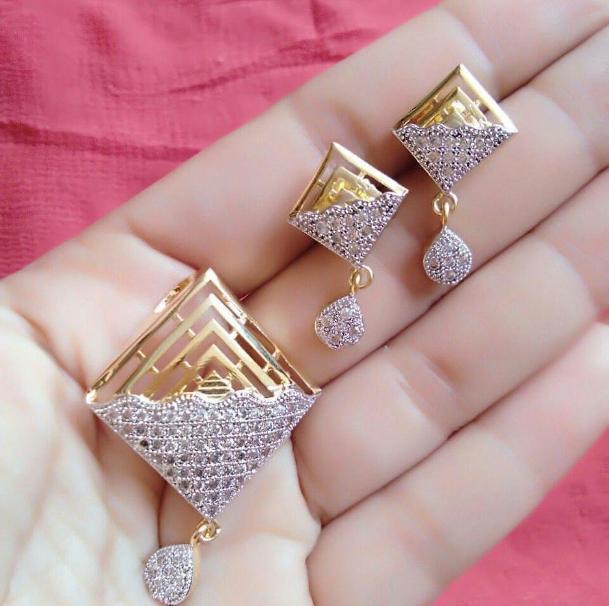 Pandent Earrings Set Gold Jewelry Fashion Gold Jewellery Design Jewelry Design Necklace