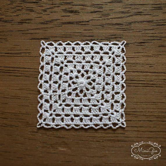 Miniatur Häkeln Weißen Deckchen Mit Viskose Stickgarn Und Einem