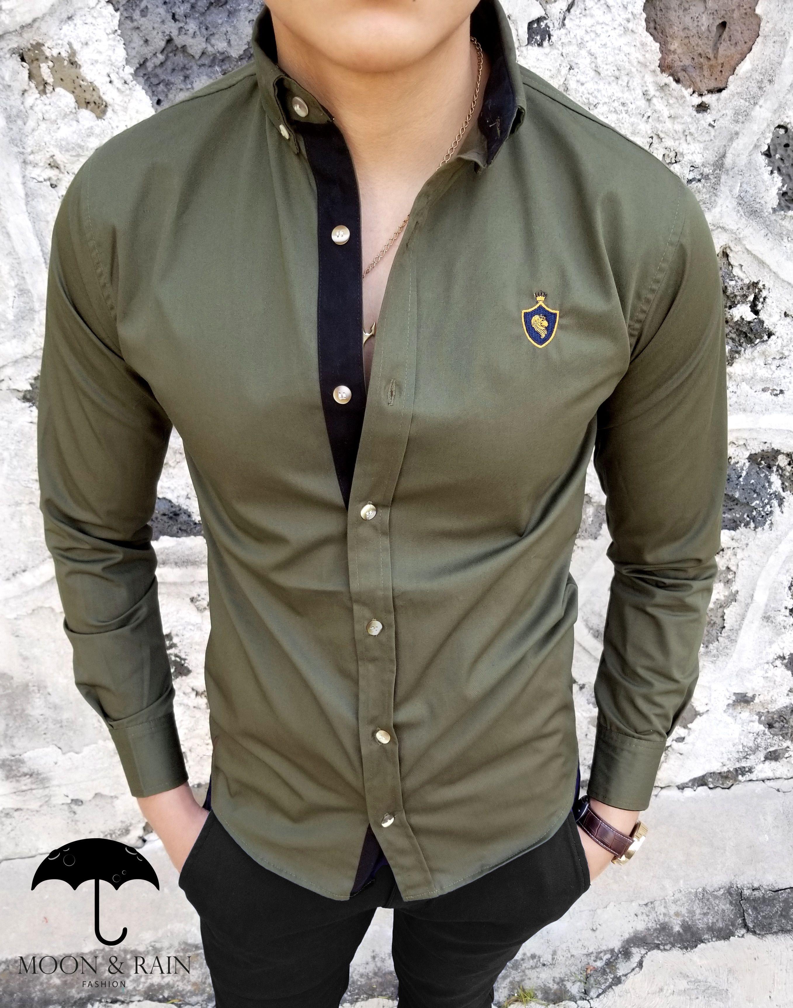 a015366c32 Ropa para hombre ideal para una ocasión casual y o formal  Camisa Verde  Olivo Lisa RM de la marca Moon   Rain
