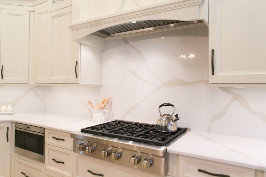 solid quartz backsplash kitchen kbf