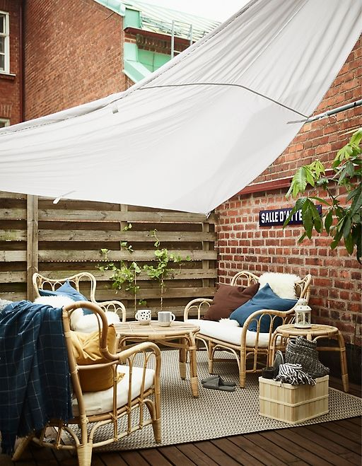 Enjoy A Summery Balcony In Autumn Terassenideen Ikea Outdoor Kleine Terrasse