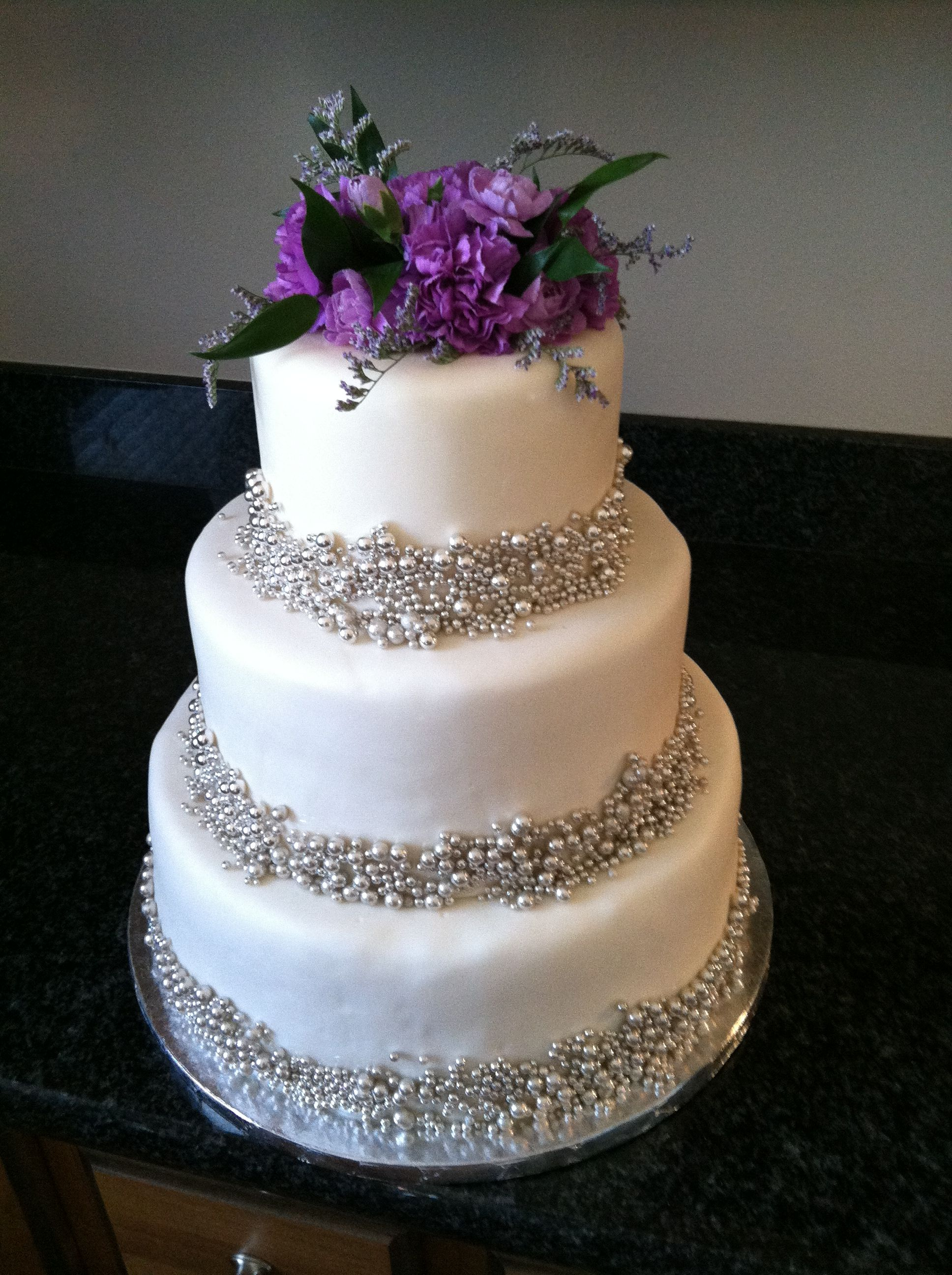 Silver and purple look awesome together. | Wedding Cakes ...