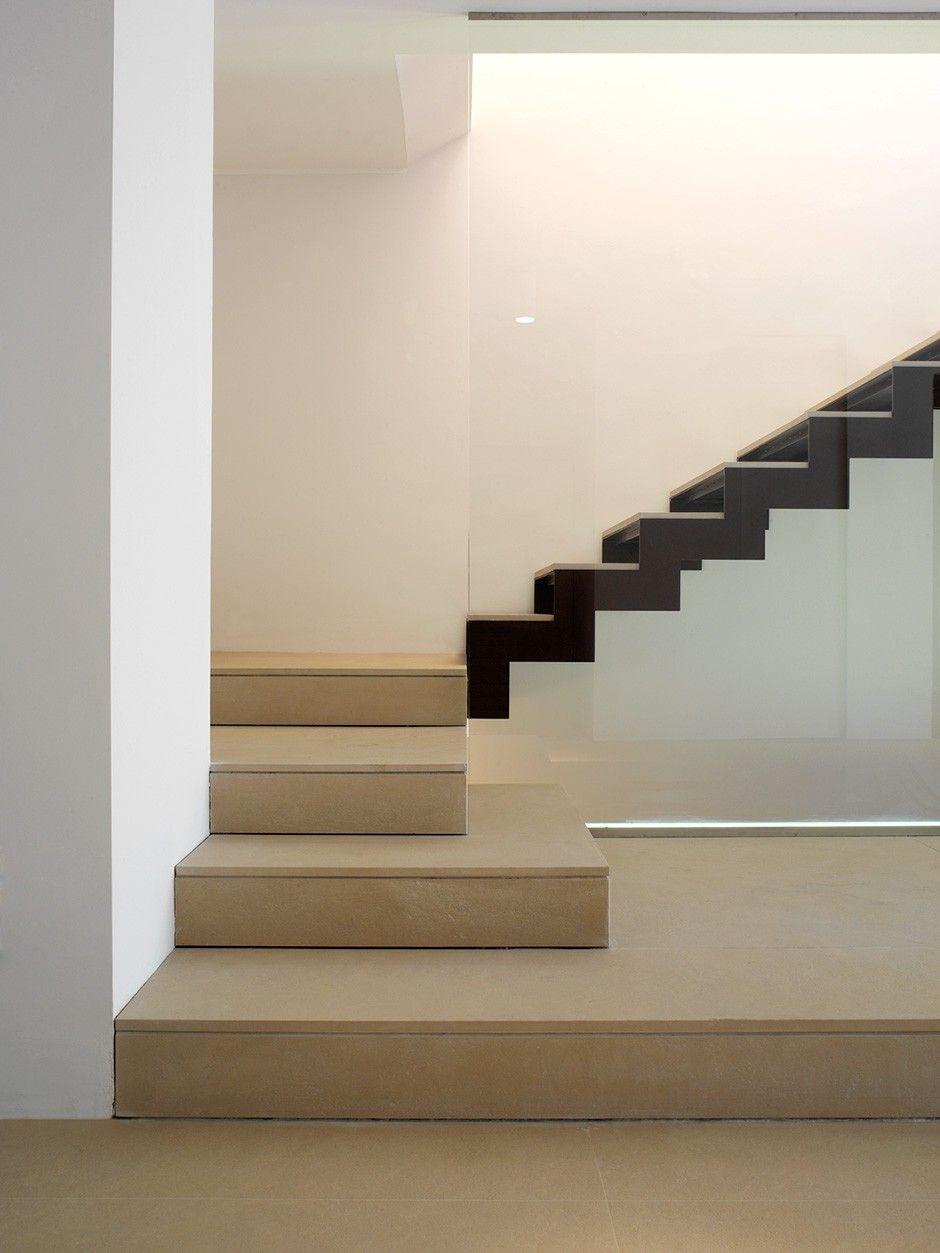 Villa la mandria torino stairs nel 2019 scale interne for Casa moderna a torino