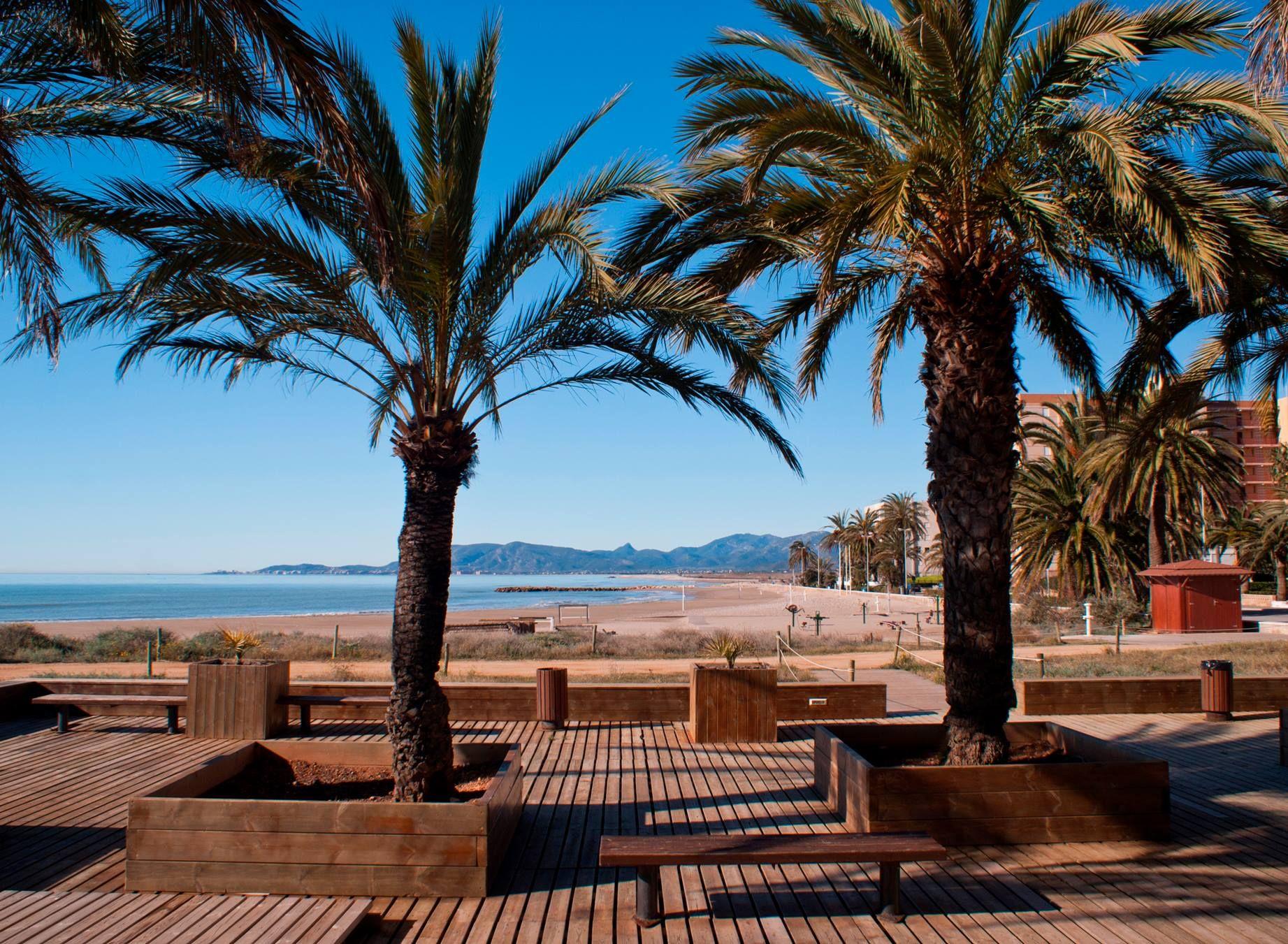 Bon Dia Buenos Días Desde La Playa Torrenostra En Torreblanca Castellonmediterraneo Playa Urbana Y Amplia Con Dos Largos Playa Urbana Playa Vacaciones