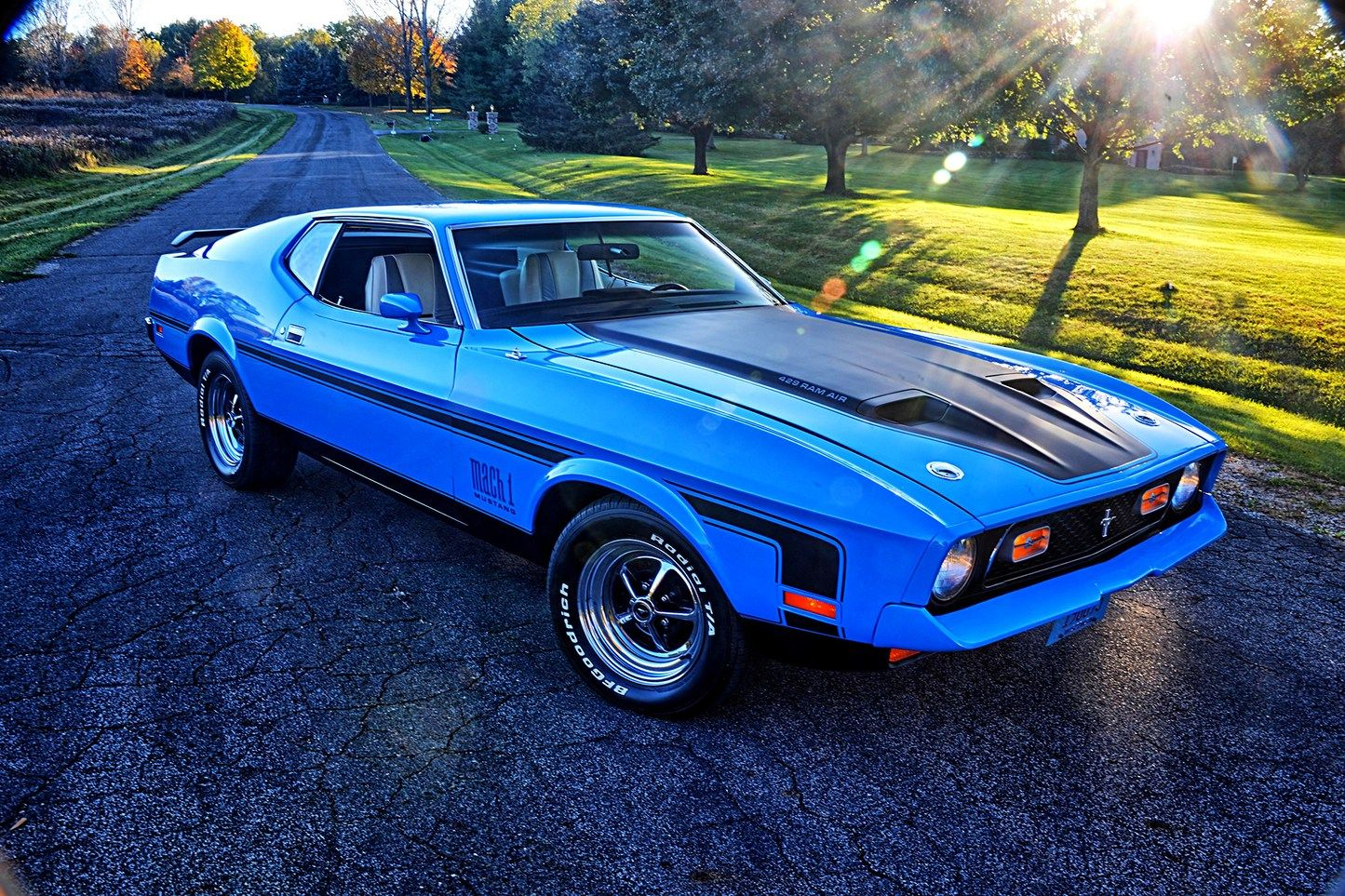 This Grabber Blue 1971 Mach 1 Cobra Jet Has Been Years In The Making Ford Mustang Mustang 1971 Mach 1