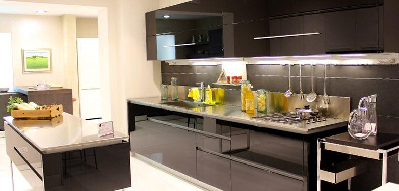 Cucina DADA Modello: HI-Line Prezzo di listino: €24.000 Prezzo ...