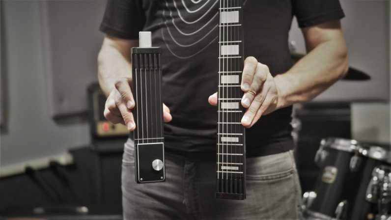Jammys electric guitar splits up for travel and never