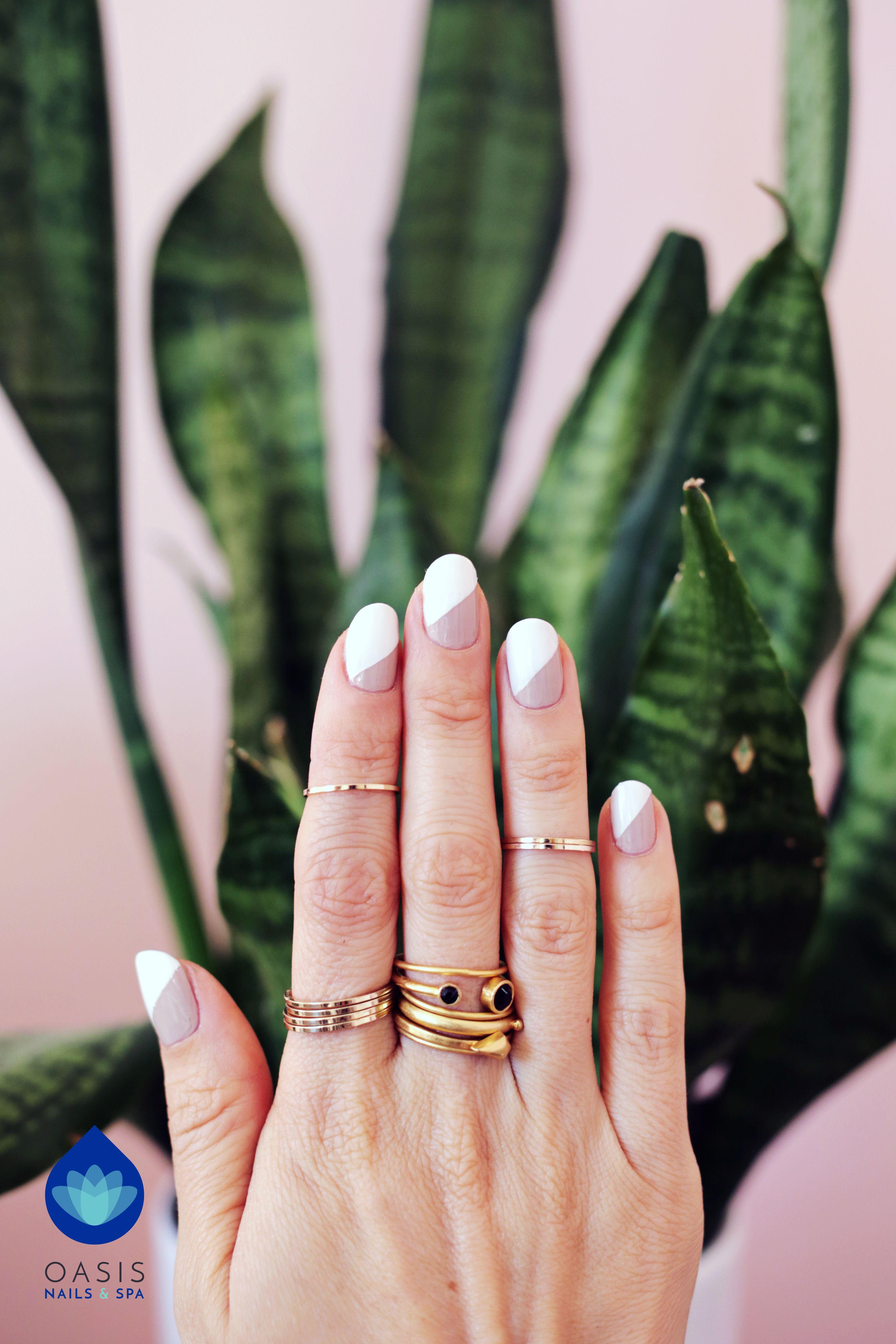 Simple and versatile nail art 😍 Elegant at work and fun at parties ...