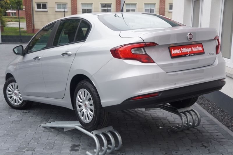 New Car Old Car Fiat Tipo Limousine 1 4 16v 2018 Fiat Tipo New Cars Car