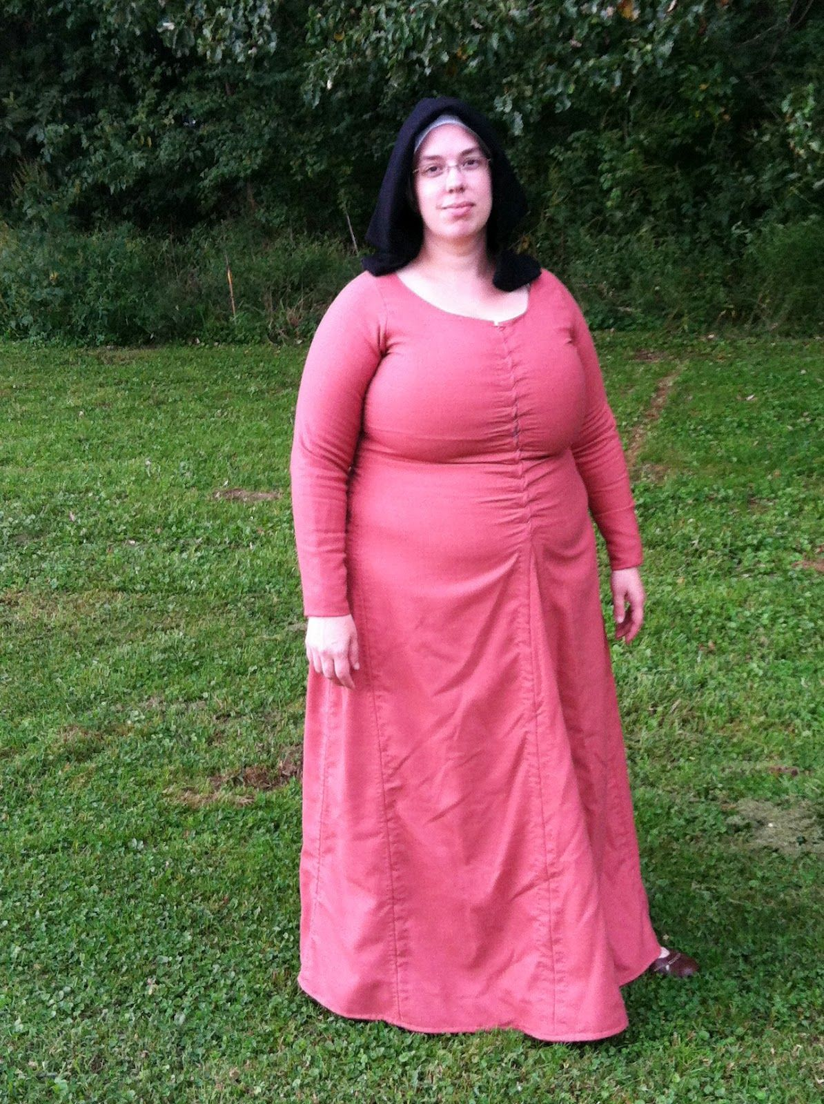 The Compleatly Dressed Anachronist: great blog. She does 15th ...