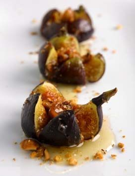 roasted figs with honey and hazelnuts