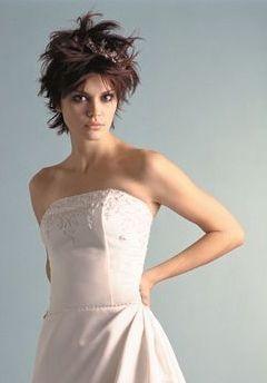 Une mariée bien coiffée : tout court ! | Cheveux courts, Coiffure mariage et Cheveux