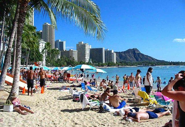 Hawaii Waikiki Beach Looking Over At Diamond Head