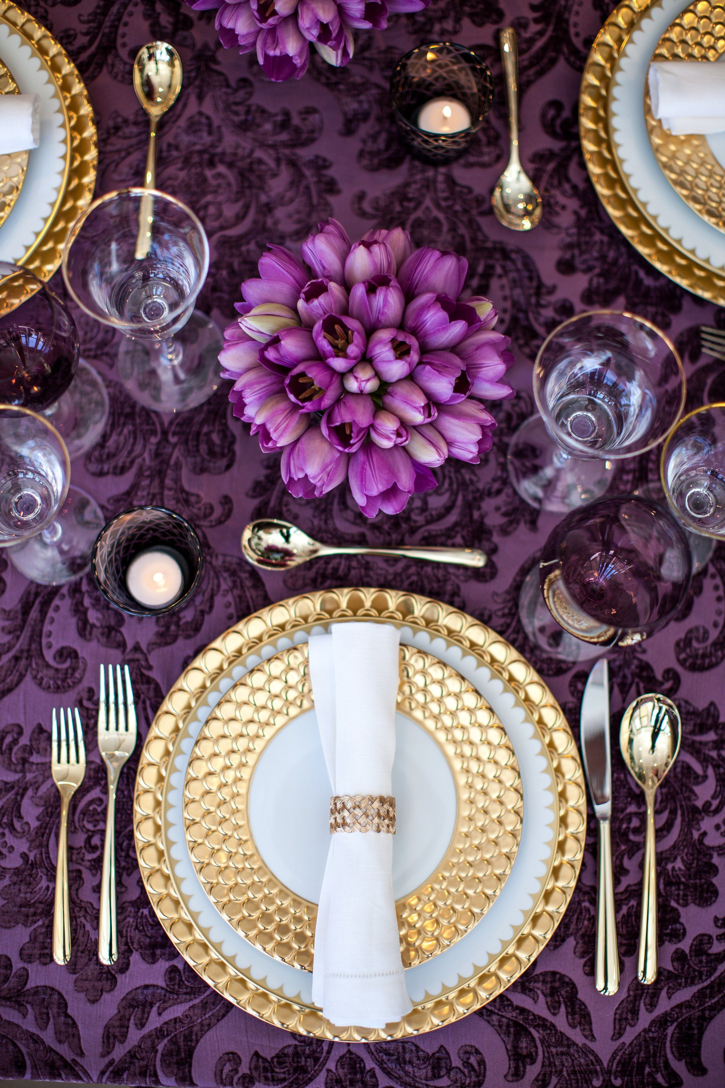 Innenarchitektur wohnzimmer lila  absolute musthaves for your new yearus eve party  tableware