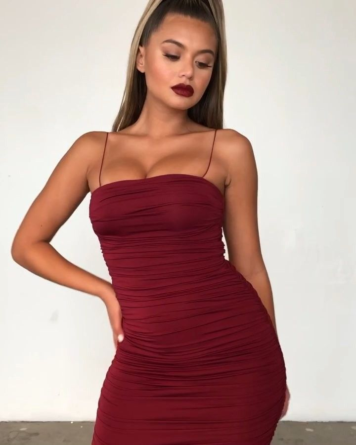 polly parsons - Google Search | Ruched maxi dress, Ruched dress outfit, Red dress outfit