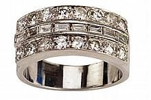 Elvis Presley S Custom Made Diamond And Platinum Wedding Ring For His Marriage To Priscilla Platinum Wedding Rings Elvis Presley Wedding Ring For Him