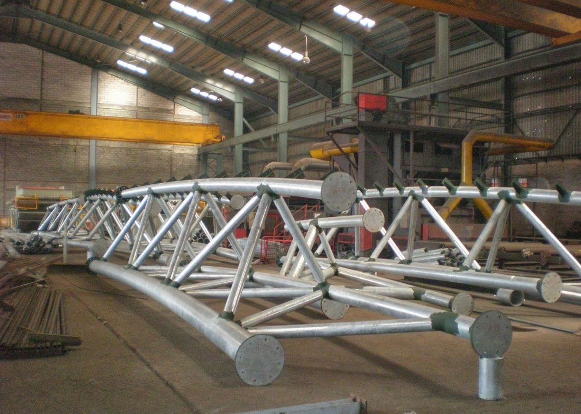 Best Fabrication Of 3 Dimensional Roof Trusses With Curved 400 x 300