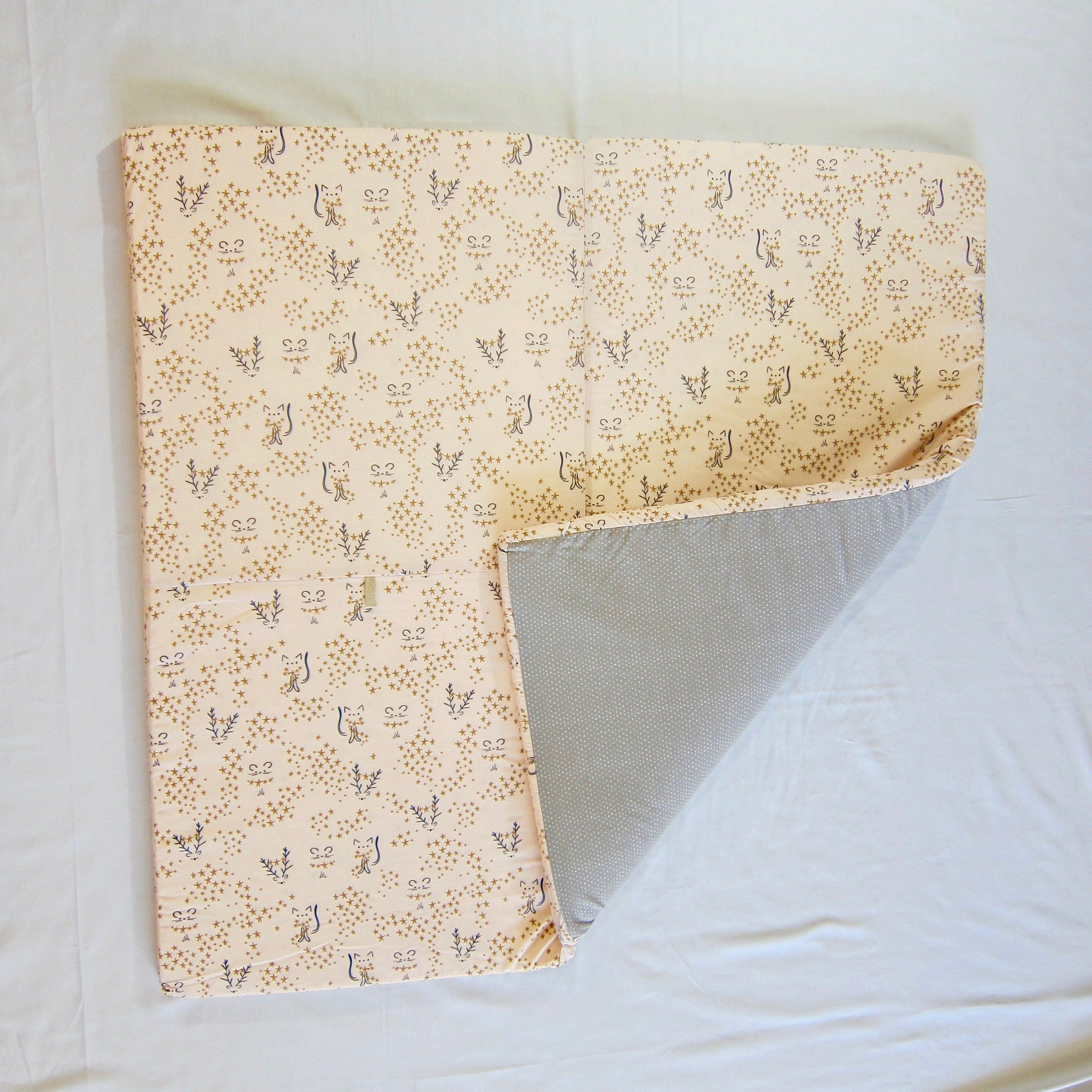 Pink mouse and star padded play mat