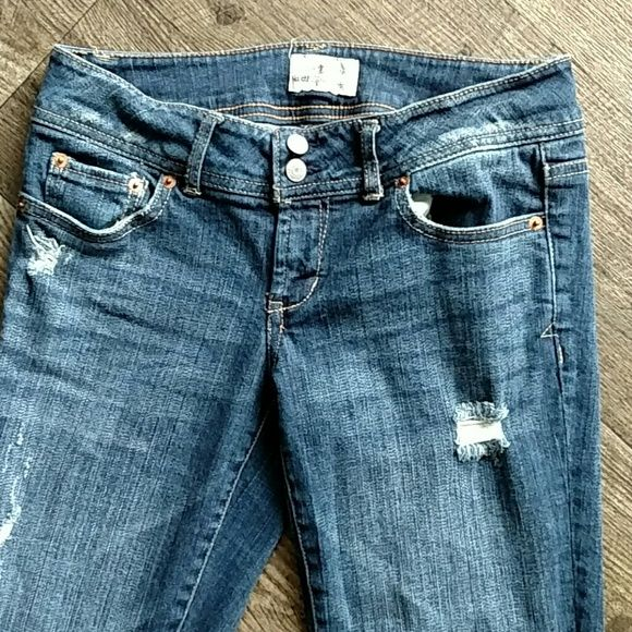c2694780875 Aeropostale capris Distressed look. Open pockets front and back for all  your items. 23