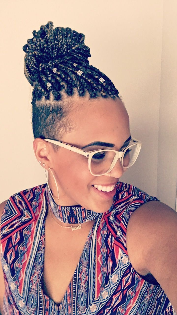 Box Braids With Undercut Braids With Shaved Sides Braided Hairstyles Box Braids Styling
