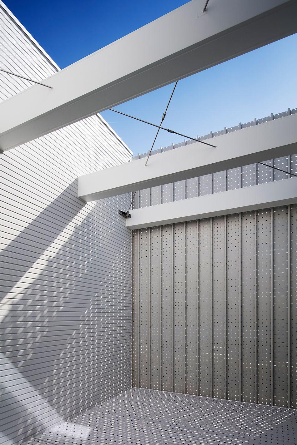 Light Grain House In Osaka By Yoshiaki Yamashita Keep Detail House Three Story House Architecture