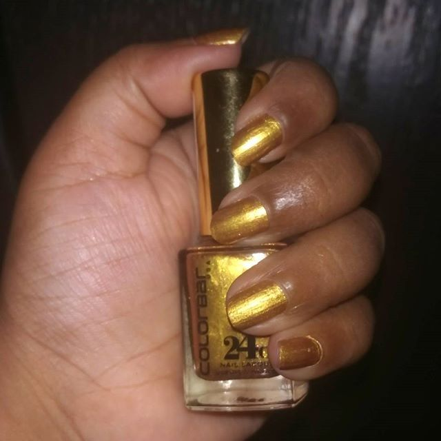 On my nails @lovecolorbar 24 ct nail lacquer #colorbar #24ct #24ctgold #notd #blingnails #bling #colorbarnaillacquer #sale #festivenails #coppergold #colorbarnailpolish #lovethis #colorbarnails #nailpolish #nailpolishaddict #nailpaints #paintednails #paintednailsmakemehappy #happyme #knowyourmakeup #knowyourmakeupblog #blogger #beautyblogger #beautiful #glitter #glitternails #nailoftheday #nailoftheweek