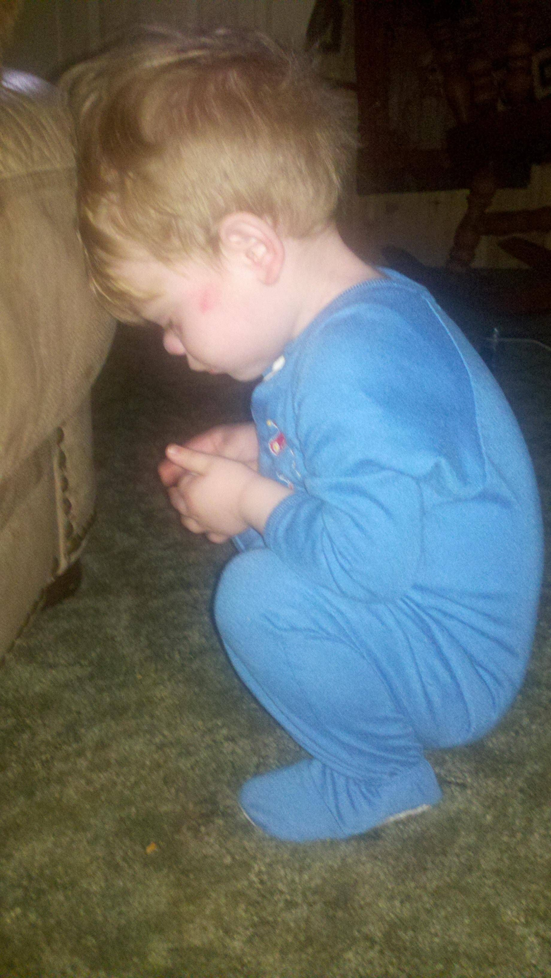 Praying babies are sooo cute!
