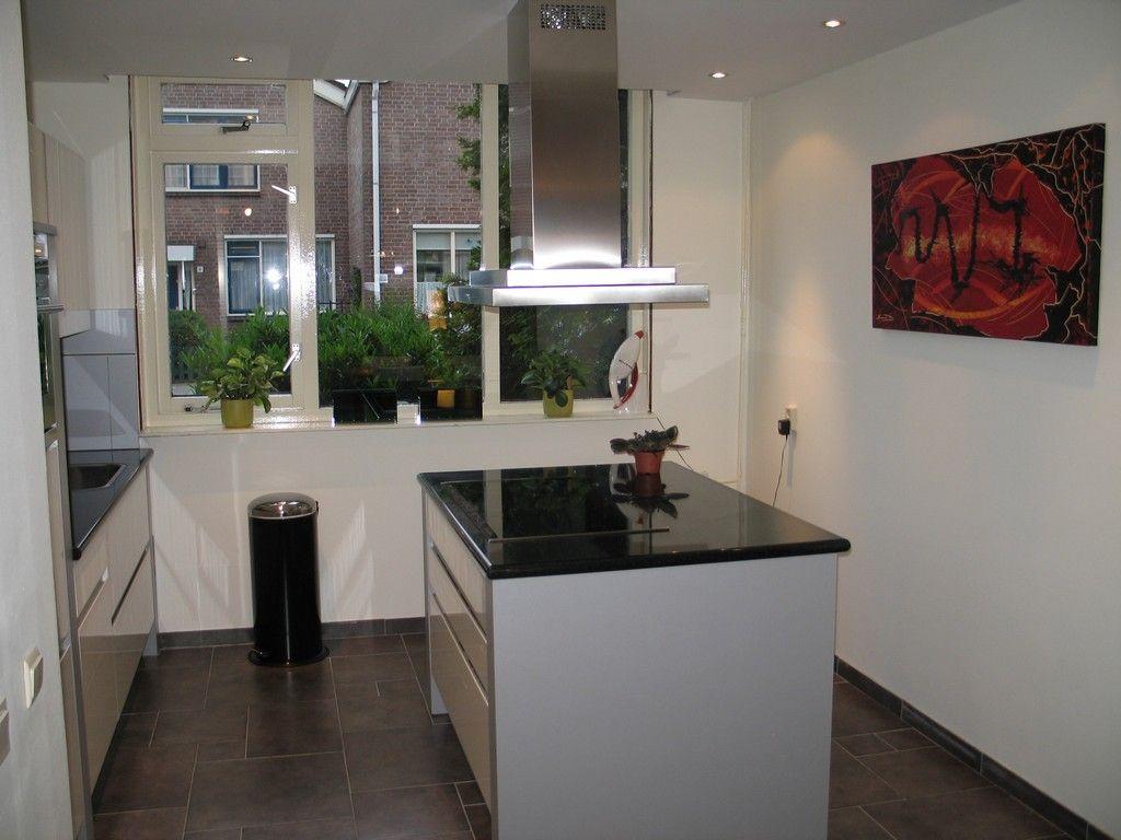 Voorbeelden Kleine Keukens : Kleine keuken kookeiland aannemerij w christiaanse