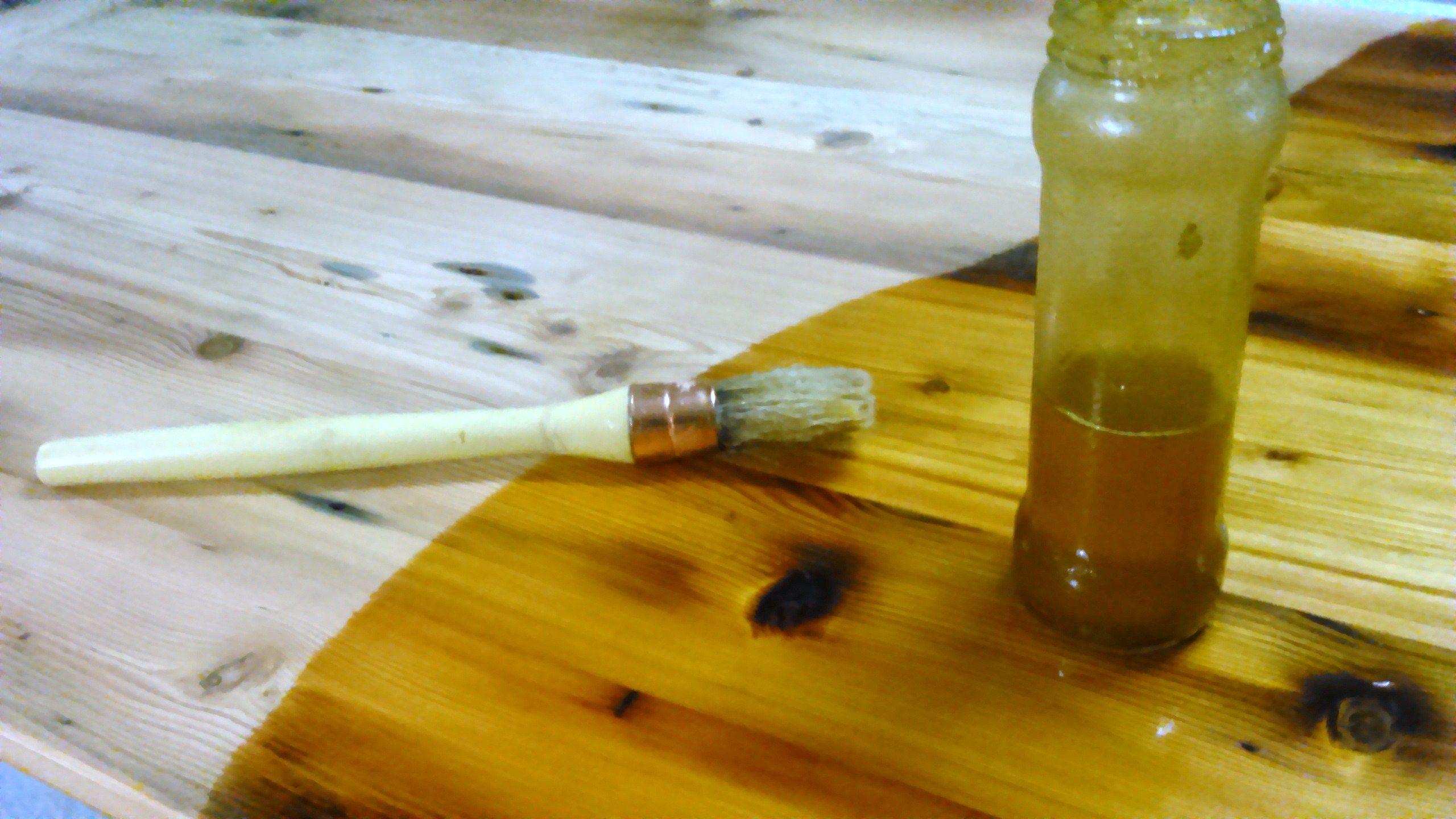 astuces pour embellir le bois avec de l 39 huile de lin. Black Bedroom Furniture Sets. Home Design Ideas