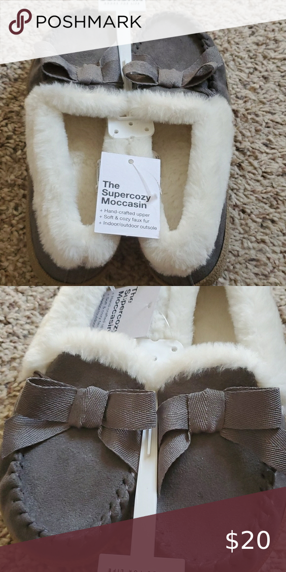 Womens 5/6 supercozy moccasin NWT Spotted while sh