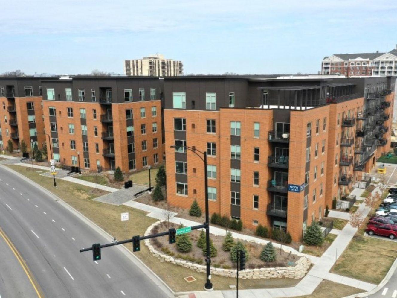 Oak Brook firm buys La Grange apartment complex