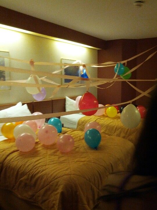 Hotel birthday party funny things pinterest hotel for Hotel room decor for birthday