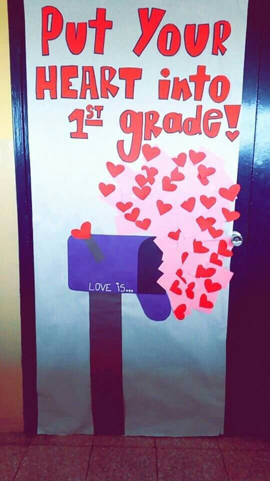 Classroom door decorated for valentine 39 s day education for Idea door activity days