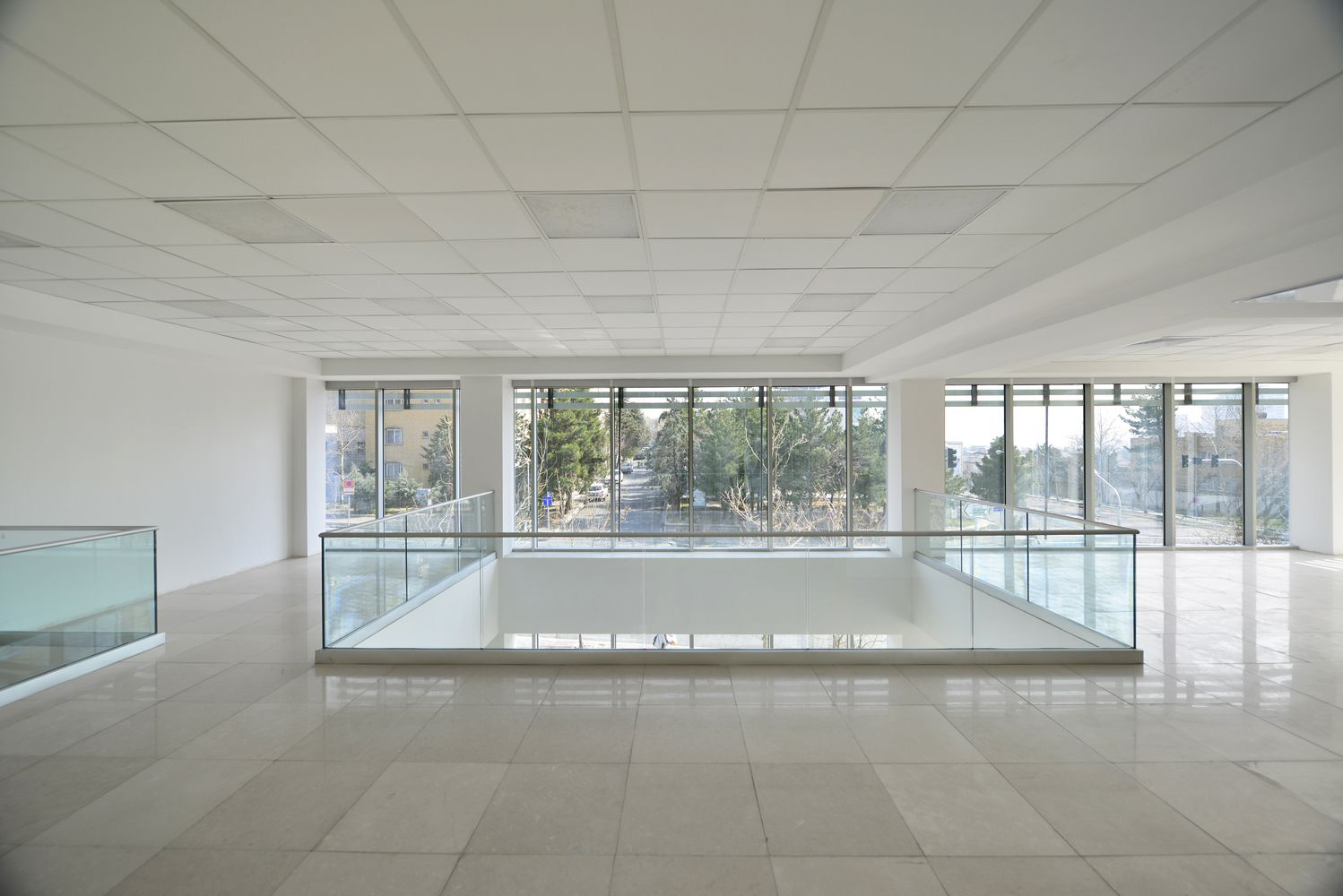 Gallery of White Office Building / BNS Studio - 7
