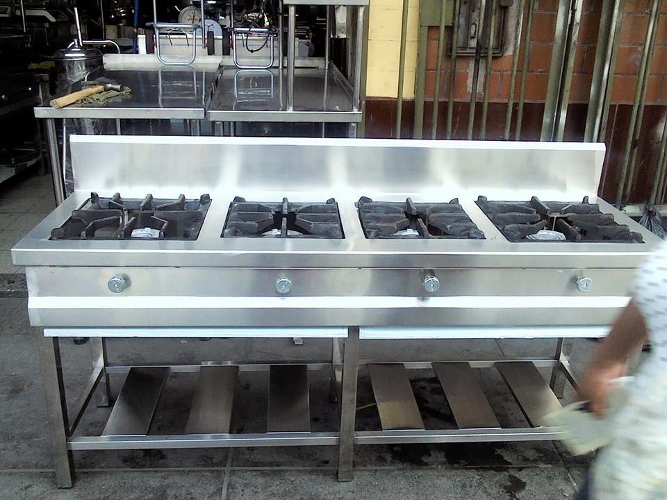 Cocina Industrial De 4 Hornillas Integramente Fabricado En Acero