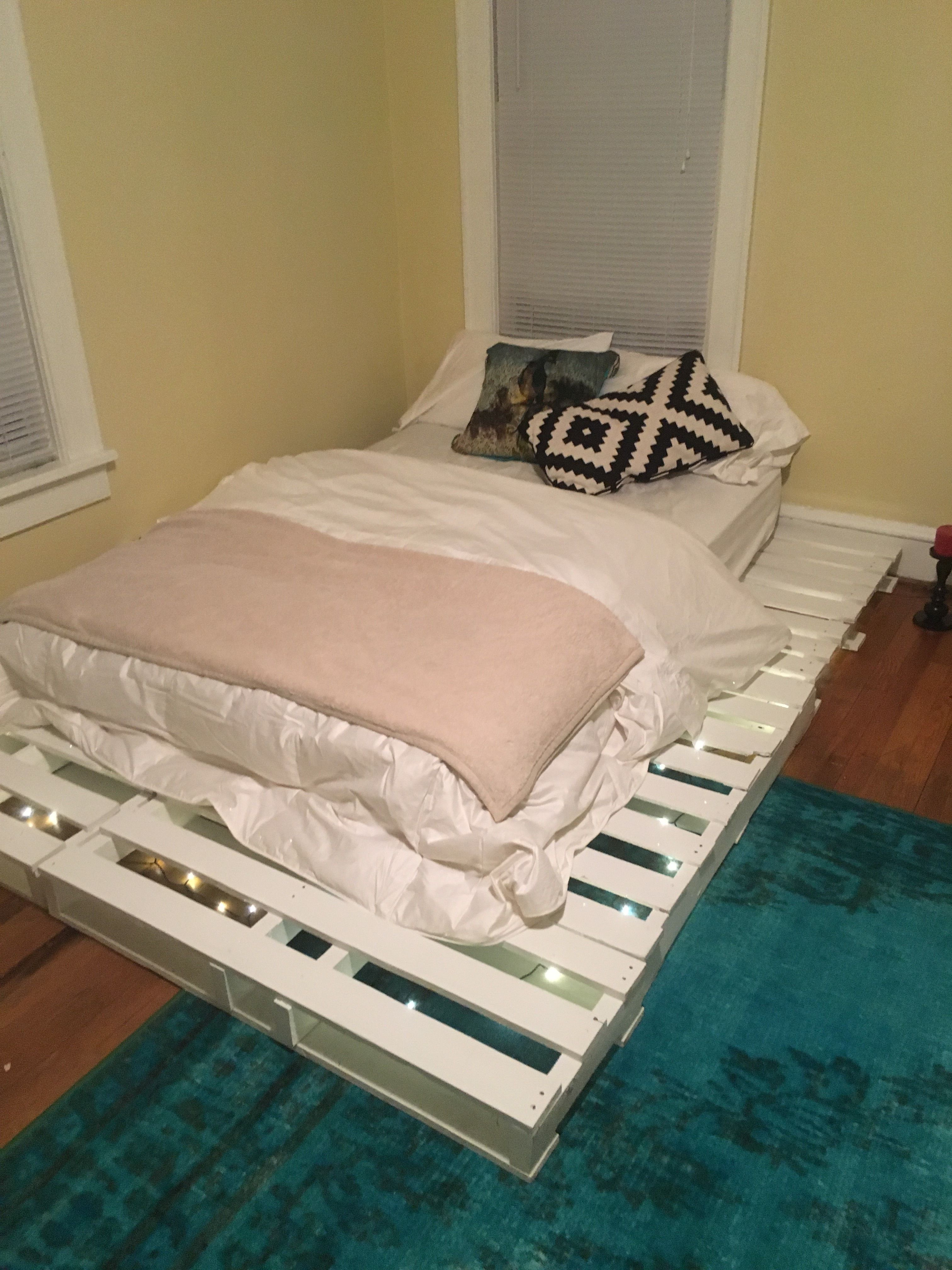 Jul 31 The Electric Chair Make your bed, Cozy place