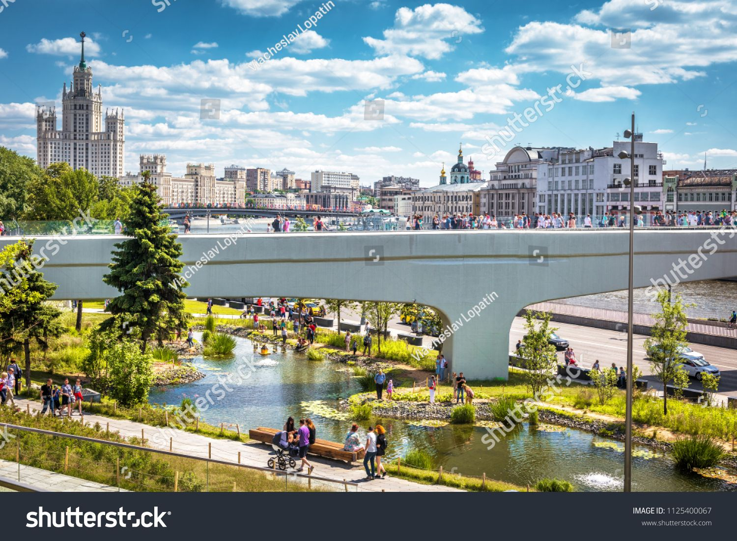 Moscow June 17 2018 People Visit The Zaryadye Park With Floating Bridge In Moscow Russia Zaryadye Is A Tourist Att Scenic Views Scenic Tourist Attraction