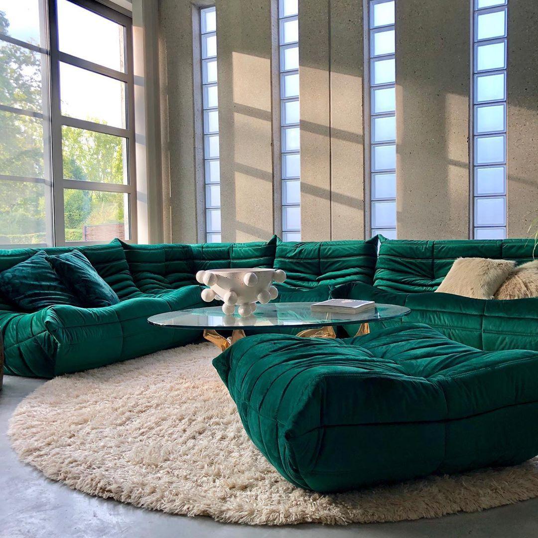 Info Koensteen Be On Instagram Ligne Roset Togo Sofa Ensemble By Michel Ducaroy Green Velvet 1973 For Sale T In 2020 Corner Seating Togo Sofa Living Room Green