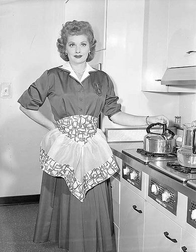 lucy in the kitchen lucille ball pinterest love lucy lucille rh pinterest nz
