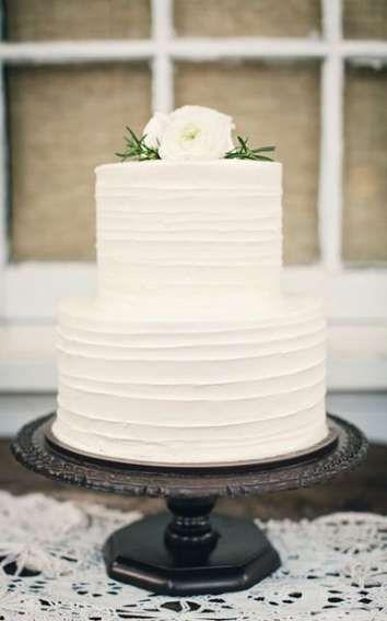 Super Cupcakes Simple Wedding Ideas -