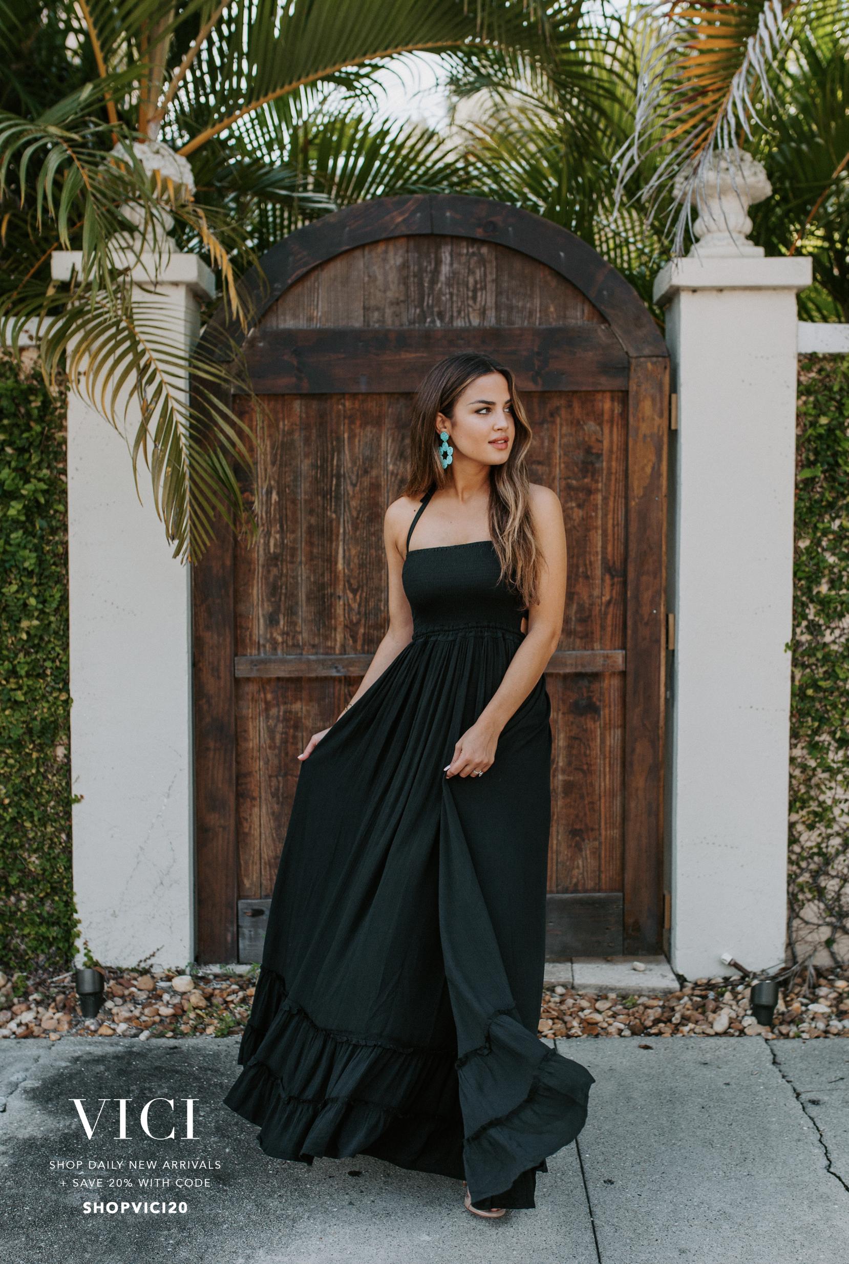 Vici Evannelucas Black Maxi Dress Halter Maxi Dresses Maxi Dress [ 2468 x 1658 Pixel ]