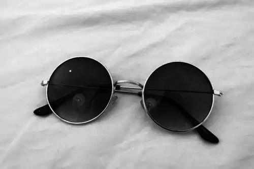 23b13adc838e2 john lennon sunglasses   AES  Tae
