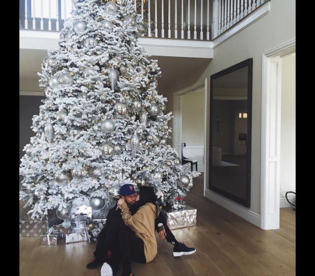Uma viagem às preparações natalícias das 'Kardashians' para este Natal